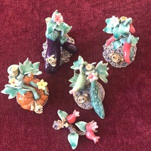 BNIB Cutest Set of 4 Ceramic Frog Sculptures